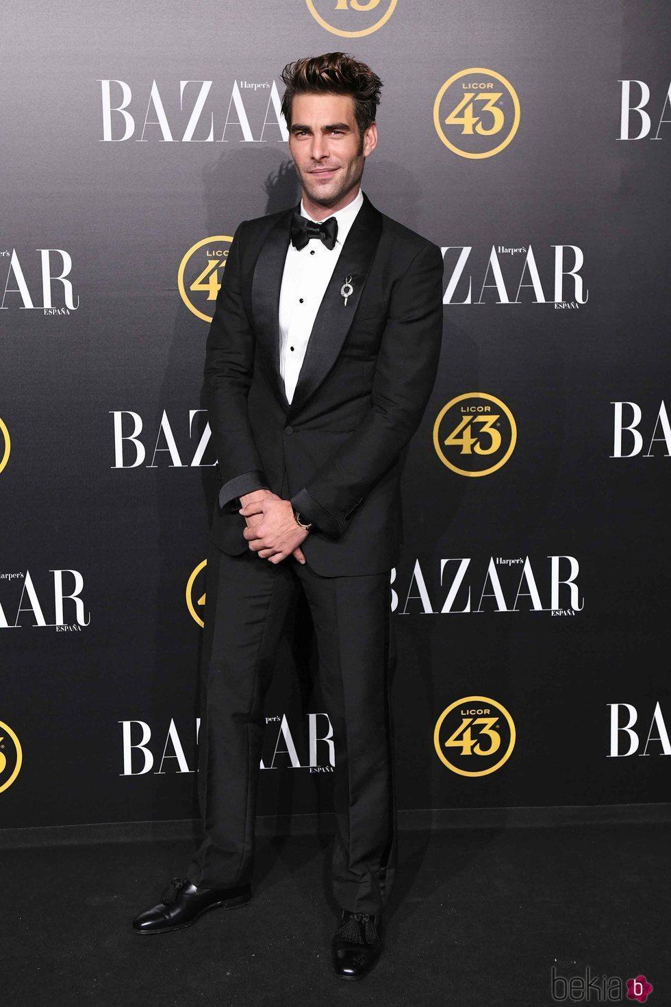 Jon Kortajarena en los premios Harper's Bazaar 2019