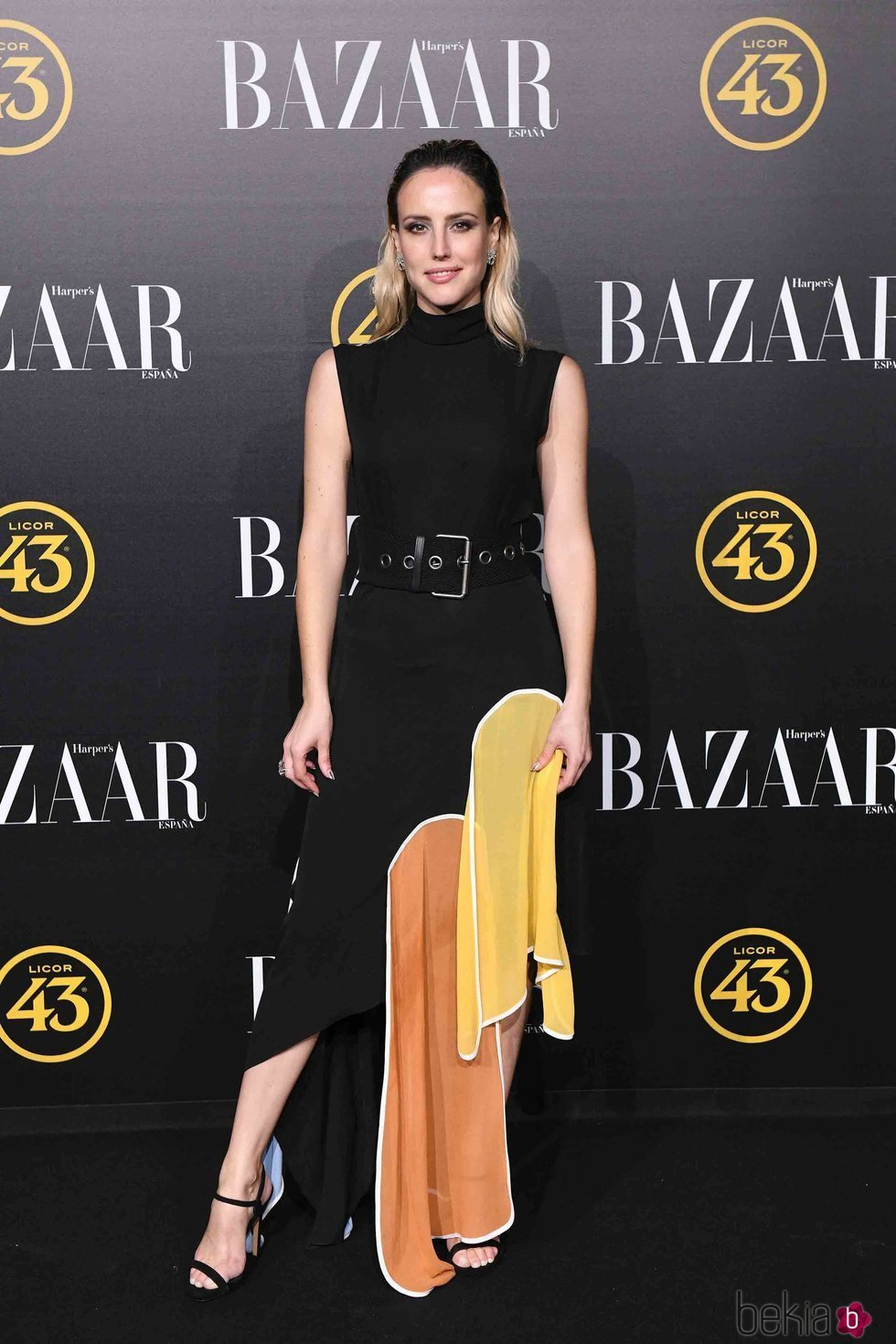 Natalia de Molina en los premios Harper's Bazaar 2019