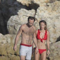 James Middleton y Alizee Thevenet, de vacaciones en San Bartolomé