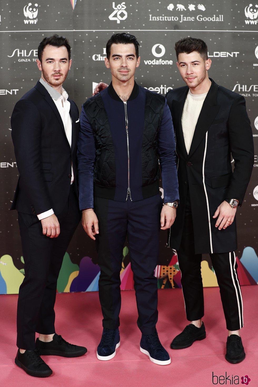 Nick Jonas, Joe Jonas y Kevin Jonas en Los 40 Music Awards 2019
