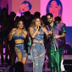 Lola Índigo en su actuación en Los 40 Music Awards 2019