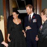 El Príncipe Harry y Meghan Markle llegando al concierto por el Día del Recuerdo 2019