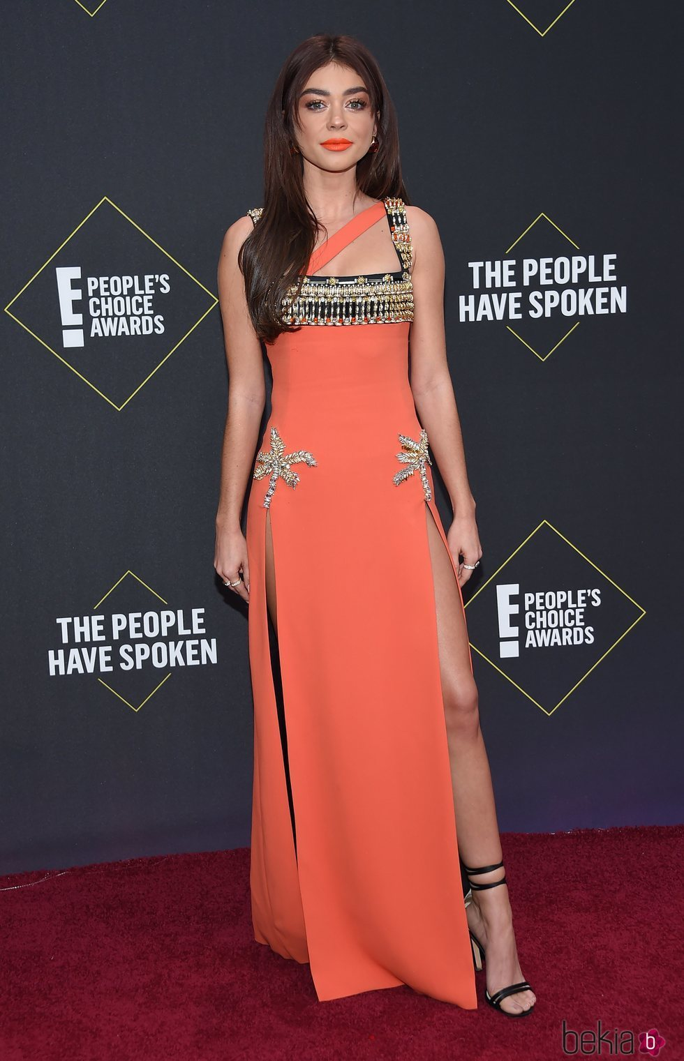 Sarah Hyland en la alfombra roja de los People's Choice Awards 2019