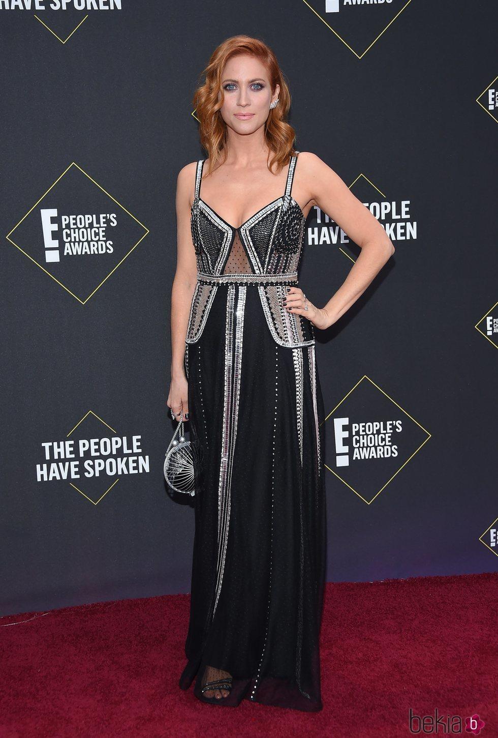 Brittany Snow en la alfombra roja de los People's Choice Awards 2019