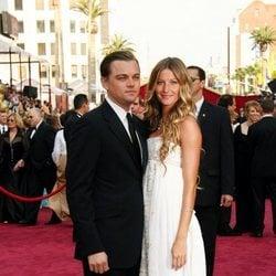 Leonardo DiCaprio y Gisele Bündchen en los Premios Oscar 2005