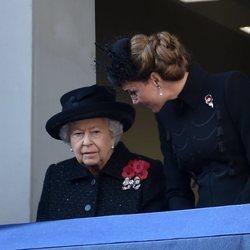 La Reina Isabel y Kate Middleton en el Día del Recuerdo 2019