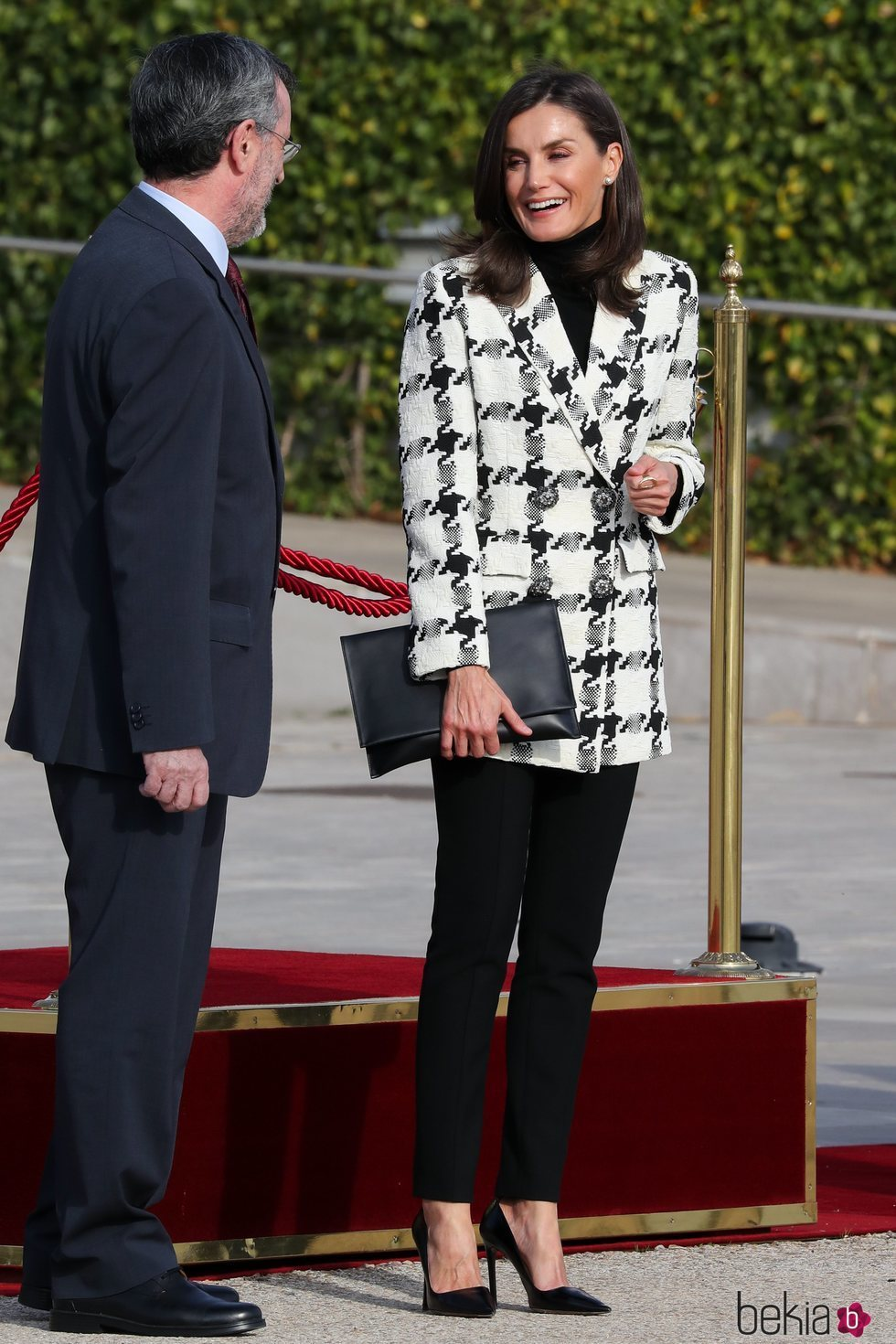 La Reina Letizia, muy sonriente antes de comenzar su Visita de Estado a Cuba