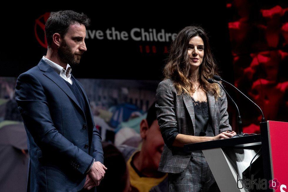 Dani Rovira y Clara Lago, galardonados en los Premios Save the Children 2019