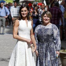 La Reina Letizia y Lis Cuesta en la Escuela Taller 'Gaspar Melchor de Jovellanos' de La Habana