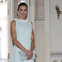 La Reina Letizia en la recepción a la colectividad española residente en Cuba