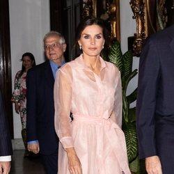 La Reina Letizia en la cena en honor al Presidente de Cuba en su Visita de Estado a Cuba