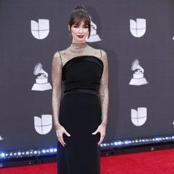 Paz Vega en la alfombra roja de los premios Grammy Latino 2019