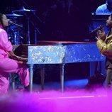 Alicia Keys y Miguel actuando en los Grammy Latino 2019