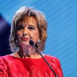 María Teresa Campos entregando un Premios Ondas 2019