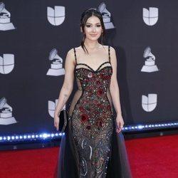 Nella en la alfombra roja de los premios Grammy Latino 2019