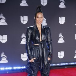 Alicia Keys en la alfombra roja de los premios Grammy Latino 2019