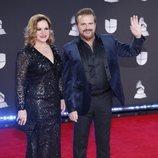 Joaquín y Lucía Galán (Pimpinela) en la alfombra roja de los premios Grammy Latino 2019