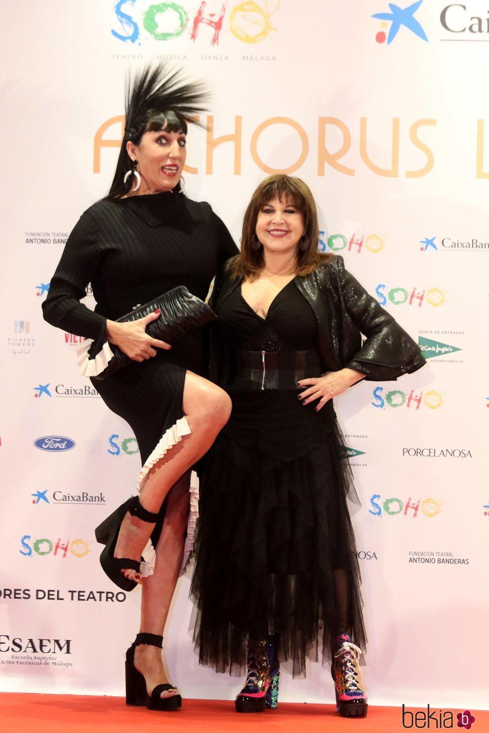 Rossy de Palma y Loles León en la apertura del teatro de Antonio Banderas, 'Teatro del Soho'