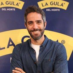 Roberto Leal posa sonriente en un evento de 'La gula del norte'