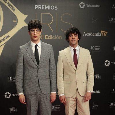Javier Calvo y Javier Ambrossi en la alfombra roja de los Premios Iris 2019