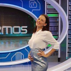 Elisa Mouliaá anunciando que está embarazada