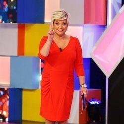 Terelu Campos ejerciendo de presentadora de 'Aquellos maravillosos años'