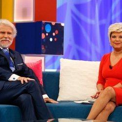 Terelu Campos entrevistando a Bigote Arrocet en 'Aquellos maravillosos años'