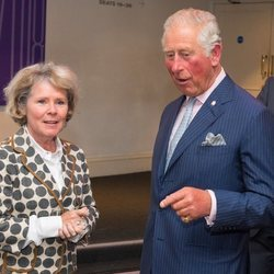 Imelda Staunton y el Príncipe Carlos