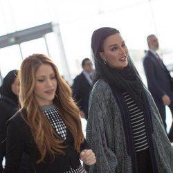 Shakira con la ex Jequesa de Catar Mozah Bint Nasser