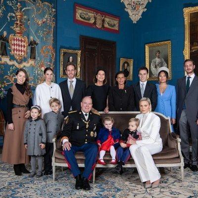 Posado de la Familia Real de Mónaco en el Palacio Grimaldi