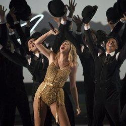Taylor Swift actuando durante la gala de los premios AMAs 2019