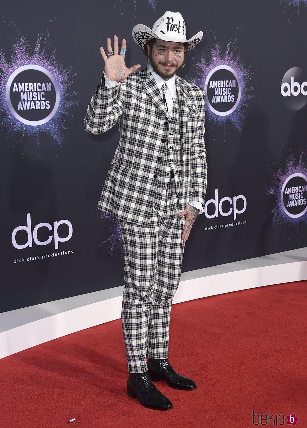 Post Malone en la alfombra roja de los premios AMAs 2019