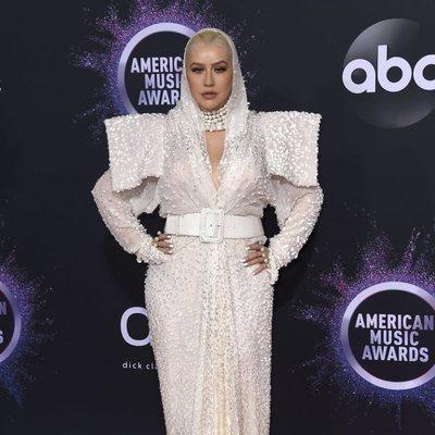 Christina Aguilera en la alfombra roja de los premios AMAs 2019