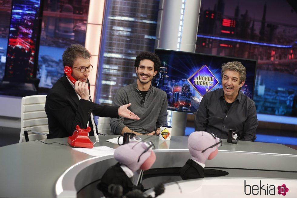 Pablo Motos, Chino Darin y Ricardo Darín en 'El Hormiguero'