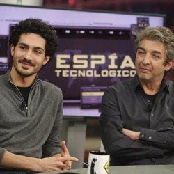 Chino Darín y Ricardo Darín en 'El Hormiguero'