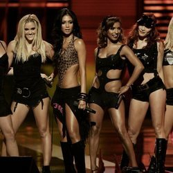 El grupo musical de chicas The Pussycat Dolls en el fashion rocks