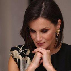 La Reina Letizia, reflexiva en la entrega del Premio Francisco Cerecedo a Javier Cercas
