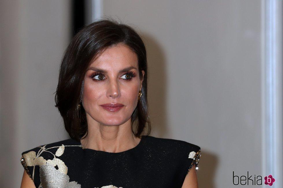 La Reina Letizia en la entrega del Premio Francisco Cerecedo a Javier Cercas