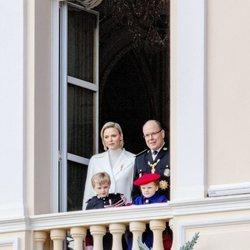 Alberto y Charlene de Mónaco con sus hijos Jacques y Gabriella de Mónaco en el Día Nacional de Mónaco 2019