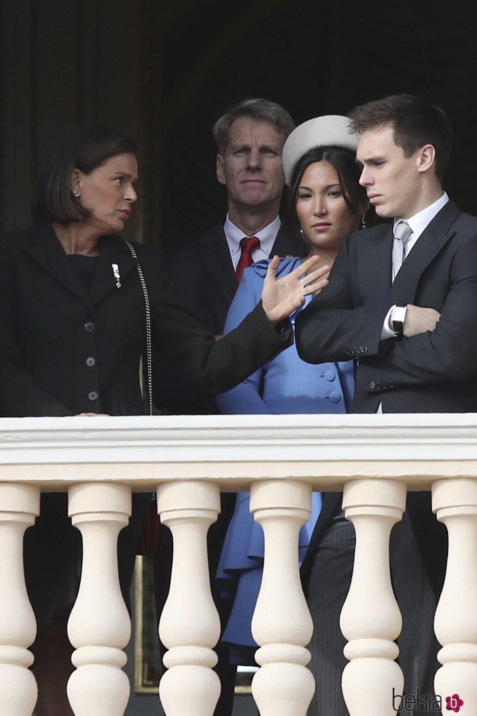 Estefanía de Mónaco con su hijo Louis Ducruet, su nuera Marie Chevallier, y su primo John Kelly en el Día Nacional de Mónaco 2