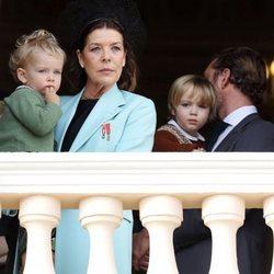 Carolina de Mónaco con sus nietos Stefano y Francesco Casiraghi en el Día Nacional de Mónaco 2019