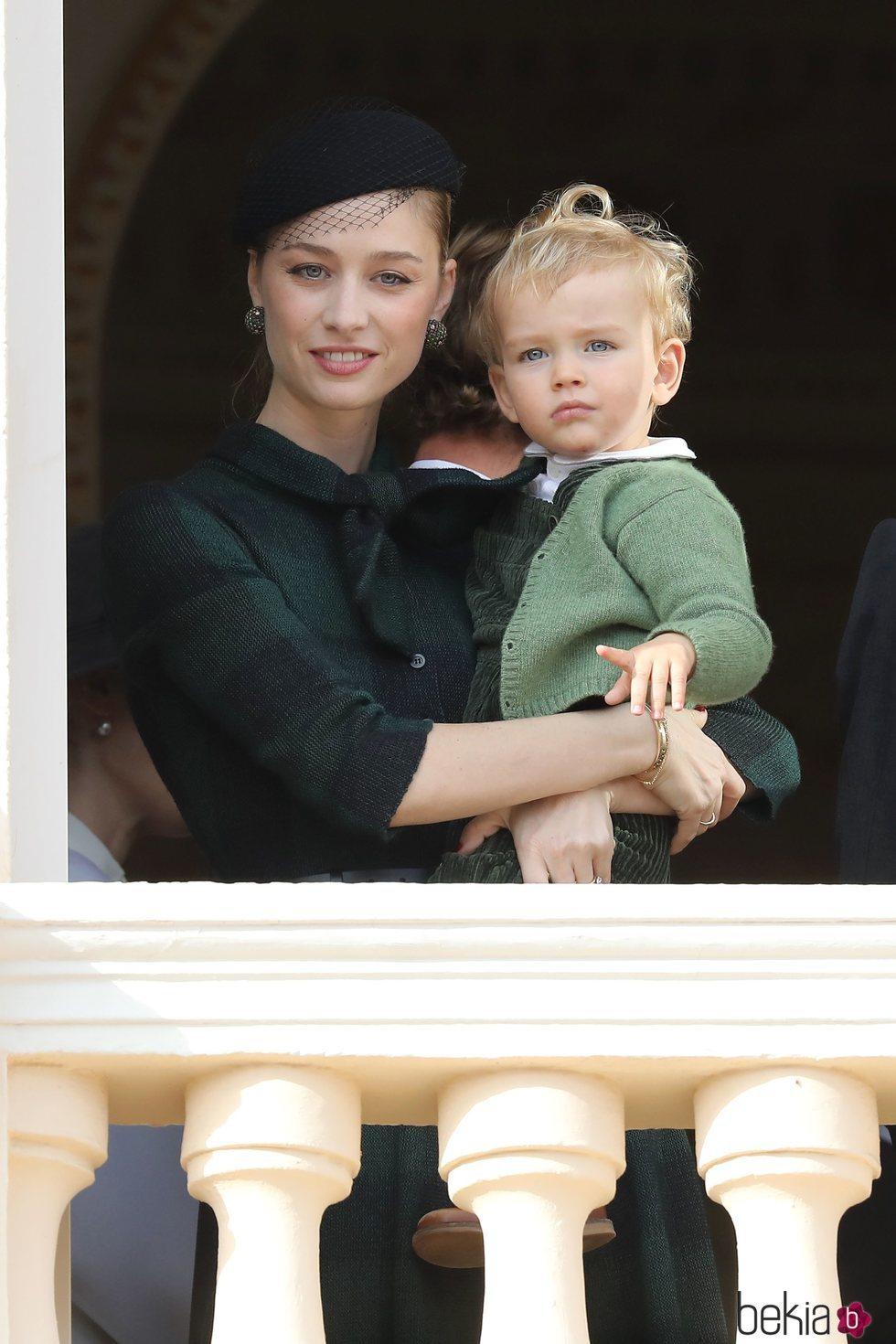 Beatrice Borromeo y su hijo Francesco Casiraghi en el Día Nacional de Mónaco 2019