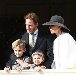 Andrea Casiraghi y Tatiana Santo Domingo con sus hijos Sasha e India Casiraghi en el Día Nacional de Mónaco 2019