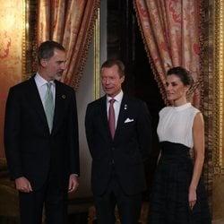 Los Reyes Felipe y Letizia y Enrique de Luxemburgo en la recepción por la Conferencia sobre el Cambio Climático