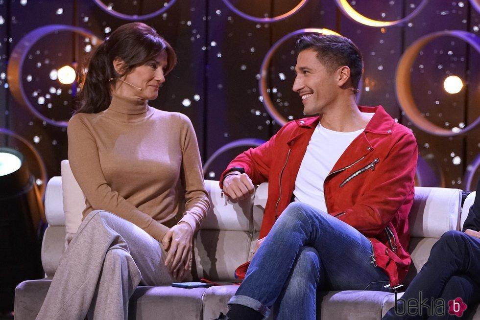 Helena, madre de Adara, y Gianmarco charlan en la gala 12 de 'Límite 48 horas'