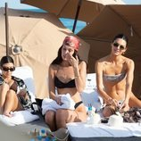 Kourtney Kardashian, Bella Hadid y Kendall Jenner de vacaciones en Miami