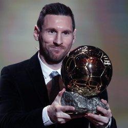 Leo Messi con su sexto Balón de Oro