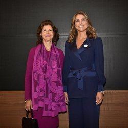 Silvia de Suecia y Magdalena de Suecia en los Premios Childhood 2019