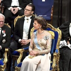 El Rey Carlos Gustavo, la Reina Silvia, el Príncipe Daniel y la Princesa Victoria de Suecia en los premios Nobel 2019
