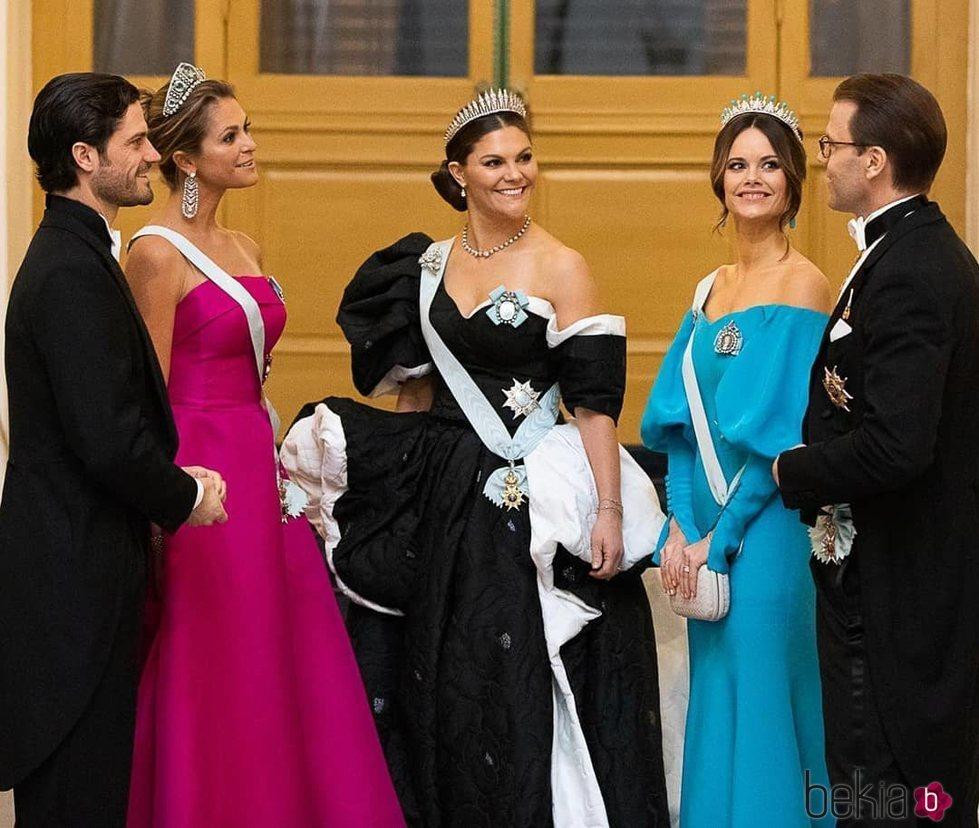 Victoria y Daniel de Suecia, Carlos Felipe de Suecia y Sofia Hellqvist y Magdalena de Suecia en los Nobel 2019